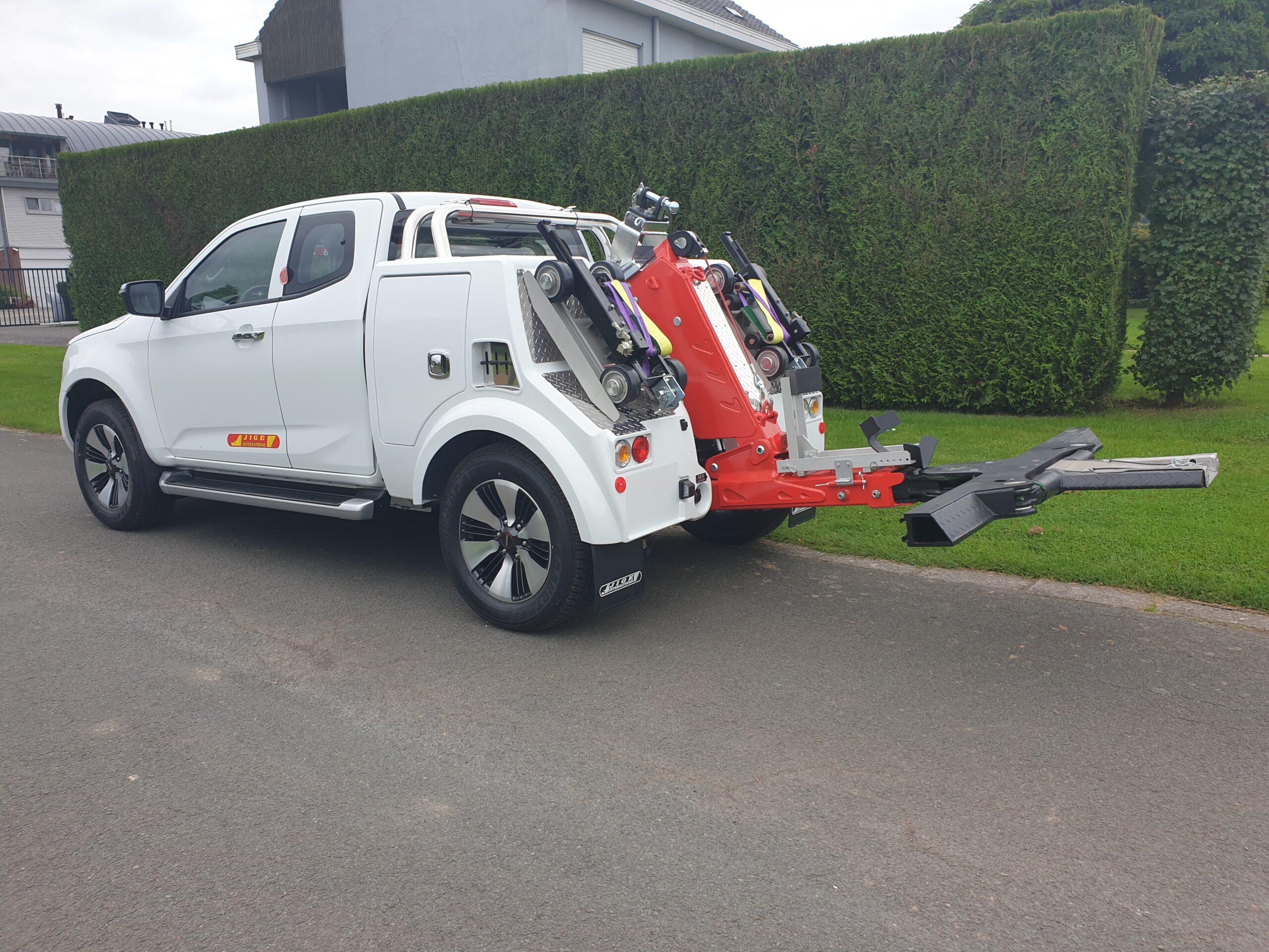 Jigé lepel op jeep Thomas Cargo Solutions